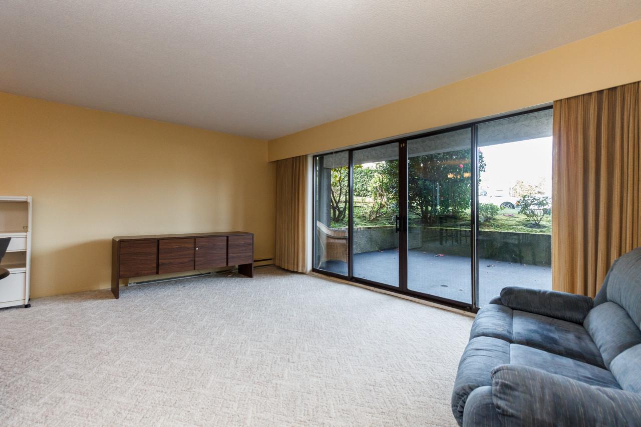 Living Room Ave U Menu By Off Market 101 1665 Oak Bay Fairfield Garden Suite