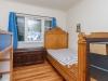 09-bedroom