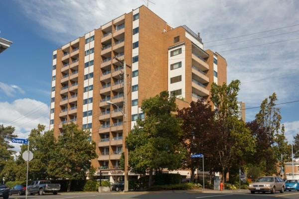 $209,900 – 908 1630 Quadra, Victoria, Corner Unit