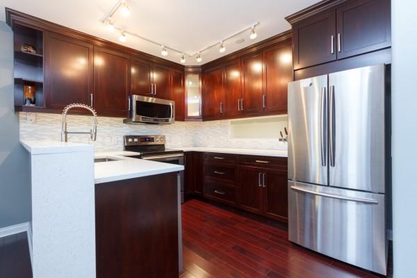 $525,000 – 315 405 Quebec St, James Bay, Location