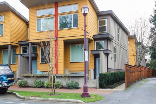 $379,000 – 119 2733 Peatt Rd, Langford, Spacious Unit