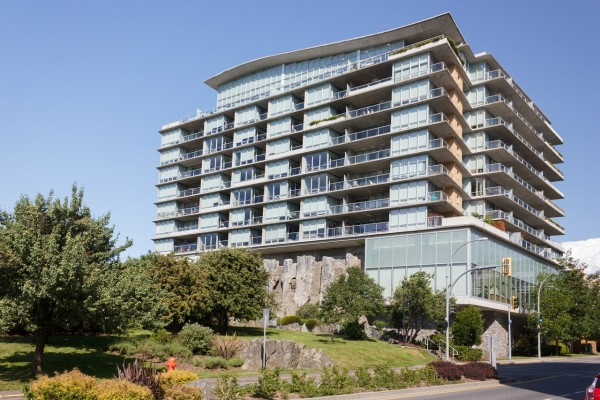 $334,900 – 601 160 Wilson St, Vic West, Parc Residence