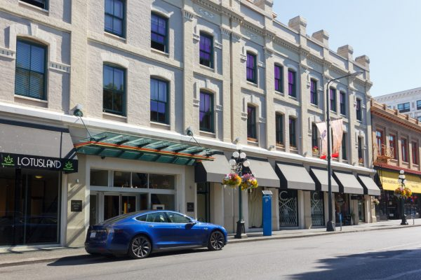 $439,800 – 205 610 Johnson St, Downtown, South Facing