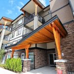 $279,900 – 405 286 Wilfert Rd, View Royal, Top Floor Unit
