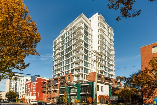 $259,900 – 102 834 Johnson St, Downtown, Convenience