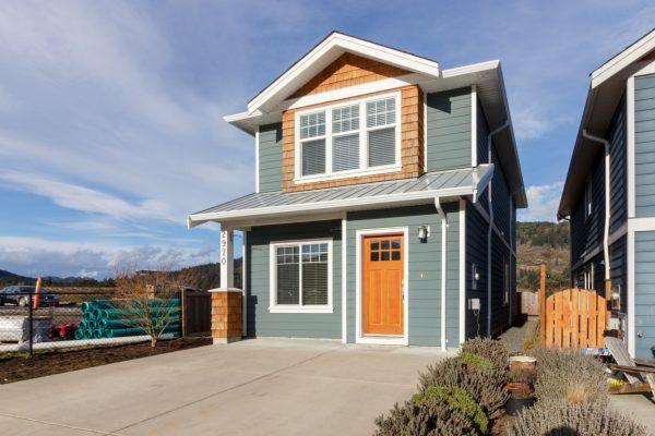 $419,900 – 2970 Burlington Cres, Goldstream, Freehold