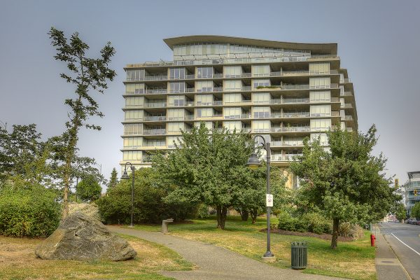 $474,900 – 1102 160 Wilson St, Vic West, Views