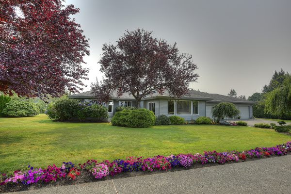 $2,550,000 – 1944 Meadowbank Rd, Central Saanich, Executive Estate