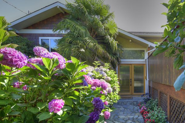 $749,900 – 2909 Corrine Pl, Langford, Tropical Retreat